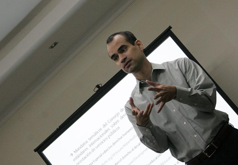 Codhez imparte taller de exigibilidad de servicios públicos de calidad